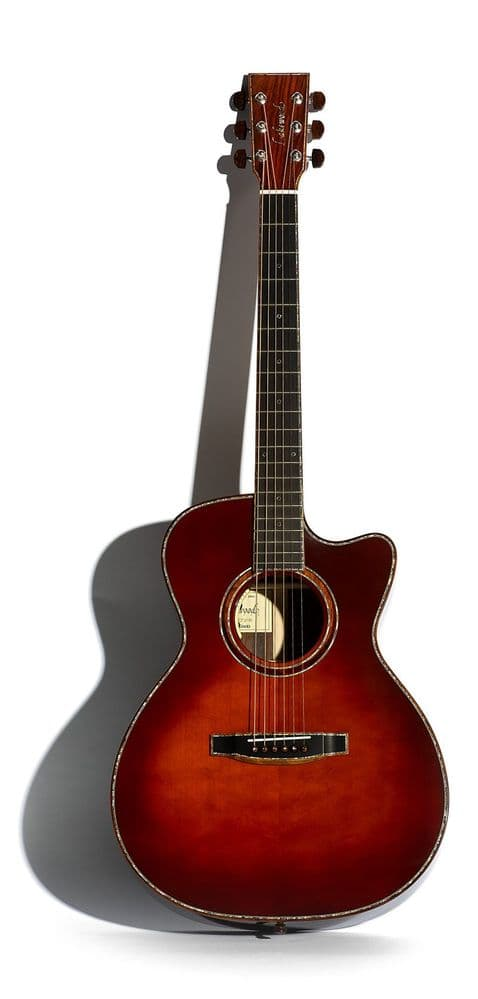 Lakewood M-53 Edition 2021 - Grand Concert Model with cutaway and pickup system