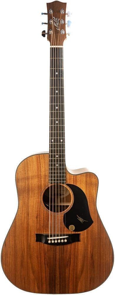 Maton EBW70C Blackwood guitar with Case